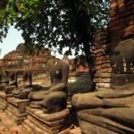 Wat Phra Mahathat's headless watchmen