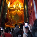 Wat Phanan Choeng's Buddha is ready for its close-up (I mean, wide shot)