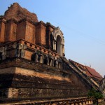 Wat Chedi Luang's chedi ruins by day...