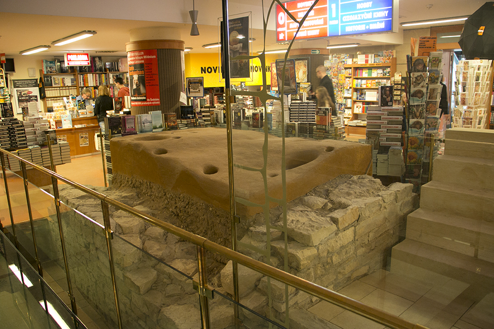 Roman walls in bookstore
