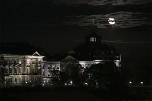 Tim Burton moon