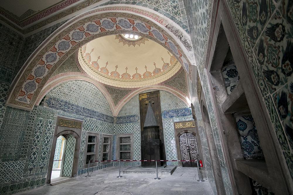 Ornate harem room