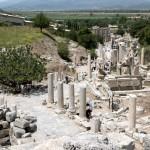 Efes crowds